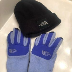 The NORTHFACE beanie and glove